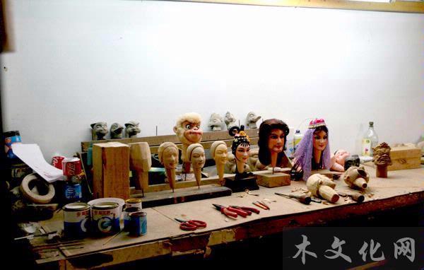 访泉州提线木偶戏代表性传承人木偶雕刻造型师林聪鹏