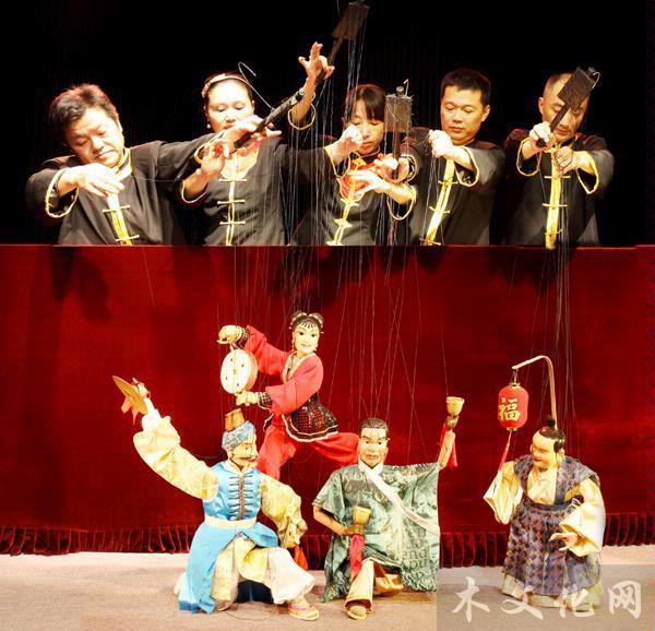 访泉州提线木偶戏代表性传承人泉州市木偶剧团演员陈