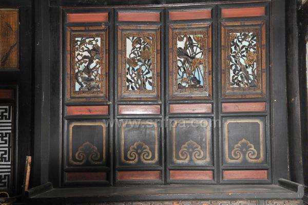 支摘窗是北京四合院房屋普遍使用的窗户.   3.