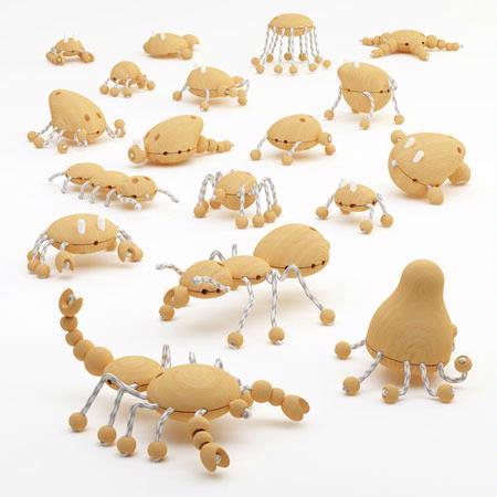 这是一款帮助五岁以上儿童熟悉动物的积木玩具。玩具套装内有72个部件,可以用来拼接出十多种海洋生物,章鱼、螃蟹、水母等等。当然,孩子们也可以发挥自己的想象力,打造出脑海中的「外星生物」作为玩伴。