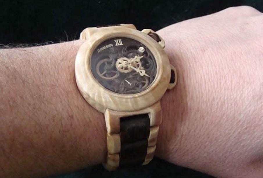乌克兰木匠全手工制作木质手表
