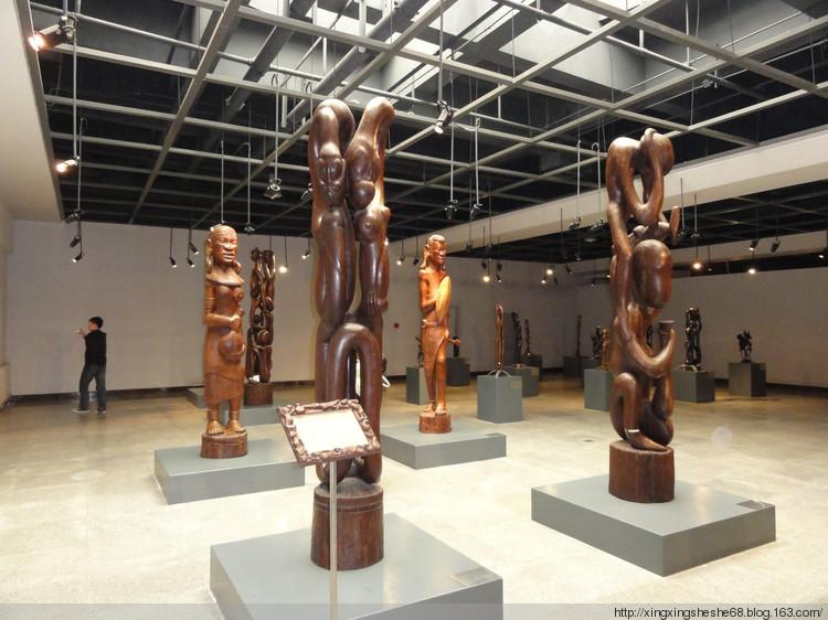 非洲马孔德雕塑艺术博物馆 - 木雕